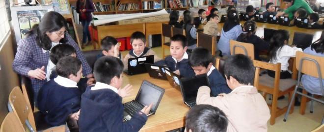 •El objetivo del proyecto es impulsar en el sistema escolar el acceso a las Tecnologías de la Información y Comunicación (TIC), convirtiendo el uso de internet en un canal de apoyo a los procesos educativos.