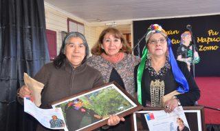 Las Educadoras tradicionales Margot Marcos y Rosa Inalaf fueron reconocidas por su trabajo en transmitir la lengua y la cultura Mapuche.